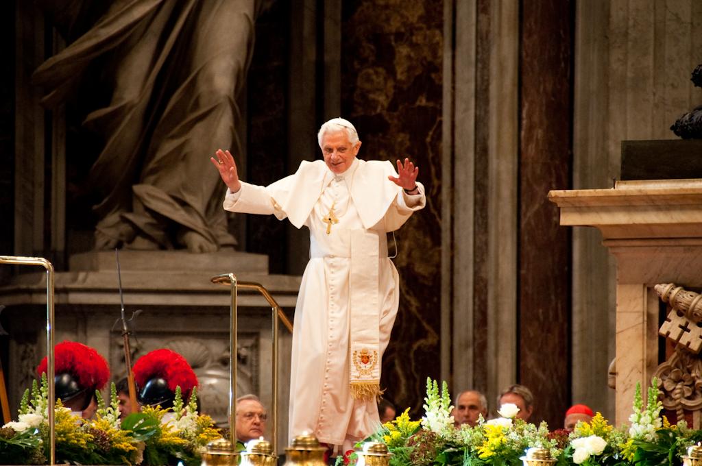 benedetto xvi per 40 caritas italiana