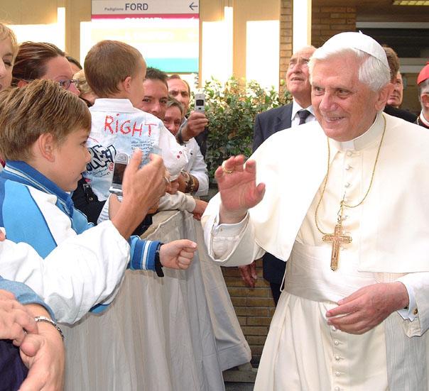 Benedetto XVI in visita