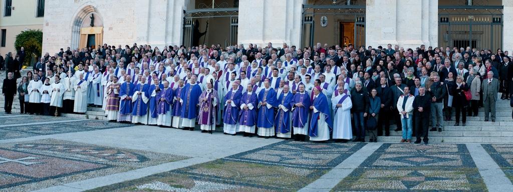 Vescovi, direttori e operatori Caritas partecipano alla Messa nella basilica di N.S. di Bonaria