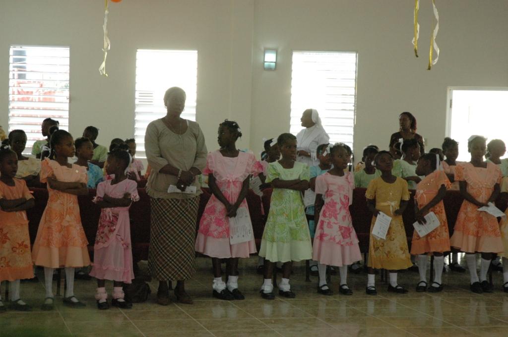 Alcune delle alunne della scuola